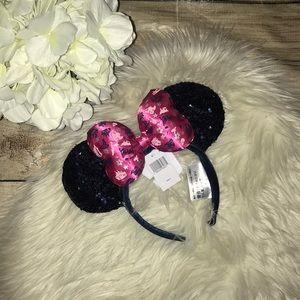 NEW 2019 Disneyland CA Minnie Mouse Ears Headband
